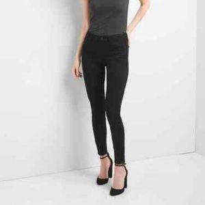 Gap Mid Rise Black True Skinny Jeans in Everblack